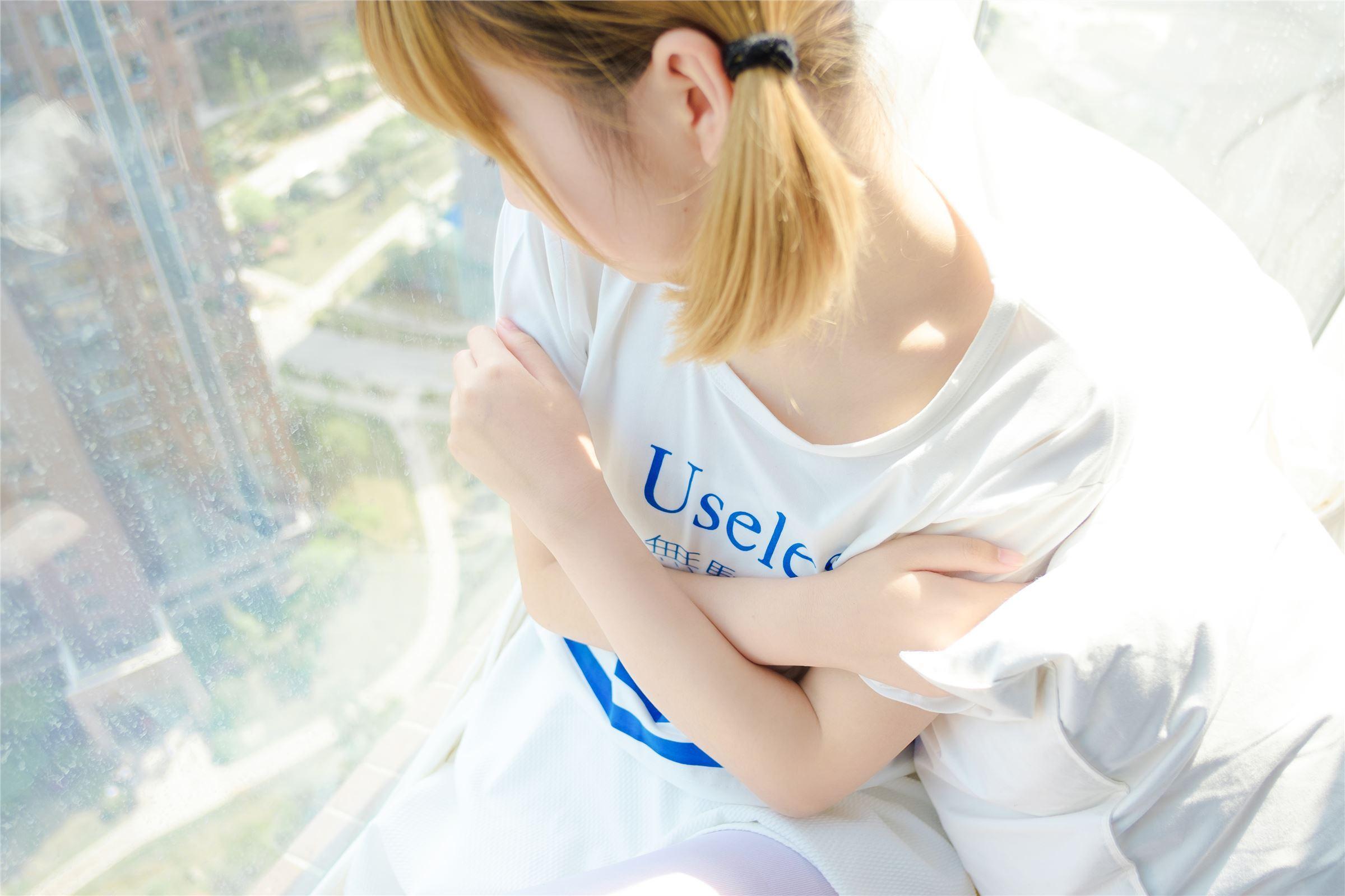 森萝财团 萝莉丝足写真 R15-004 纯白之恋