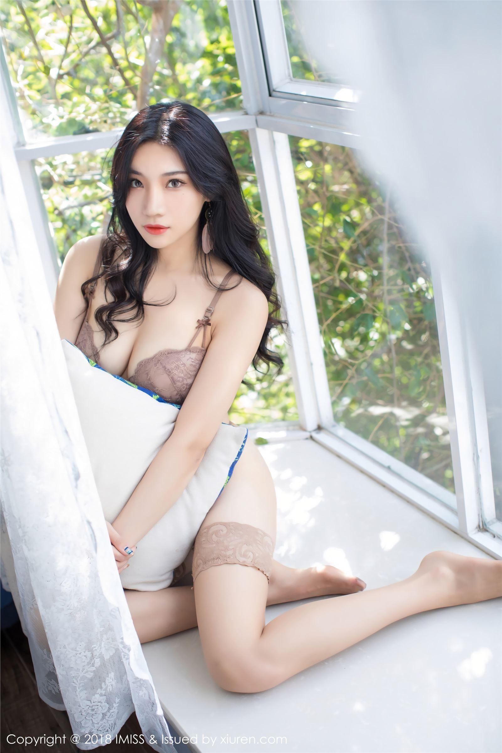 IMiss爱蜜社 写真 2018.02.13 VOL.218 丝袜美腿 小狐狸Sica