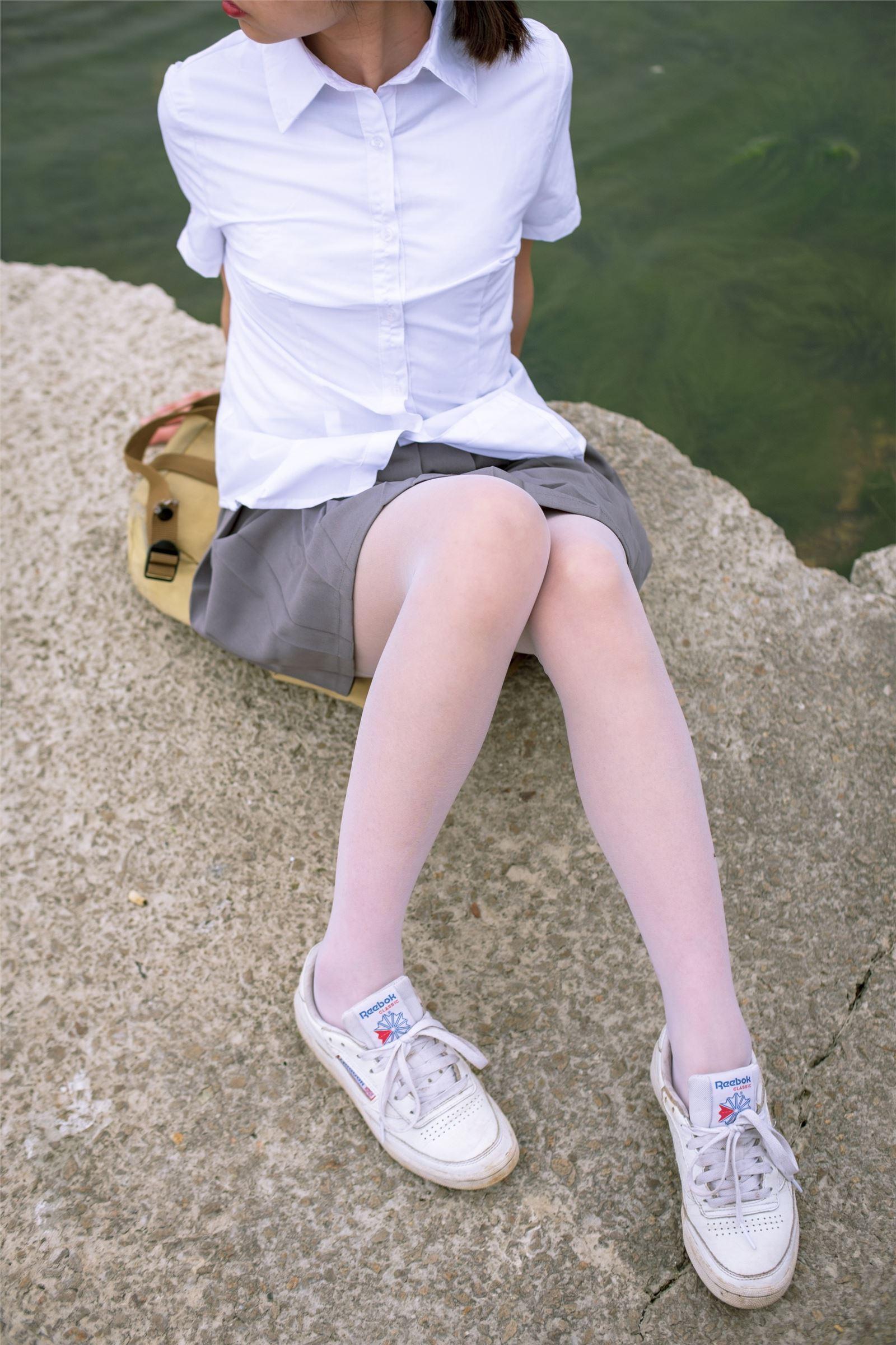 森萝财团写真 - [BETA-014] 学生妹的外拍写真(1)