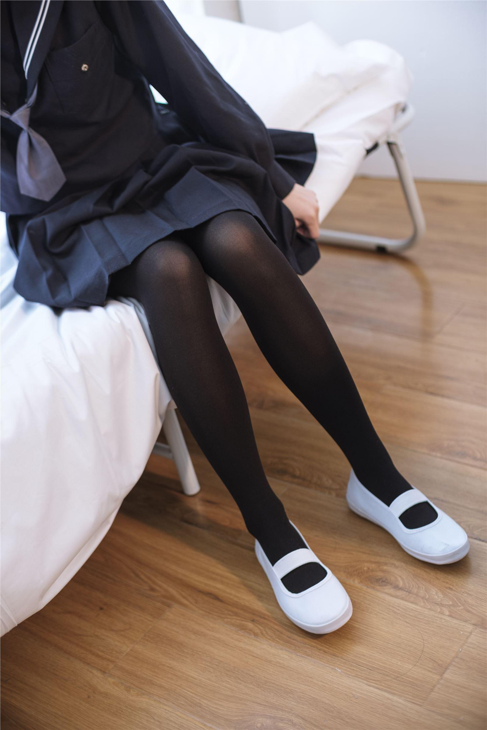 森萝财团写真 - [X-004] 黑色·丝足(1)
